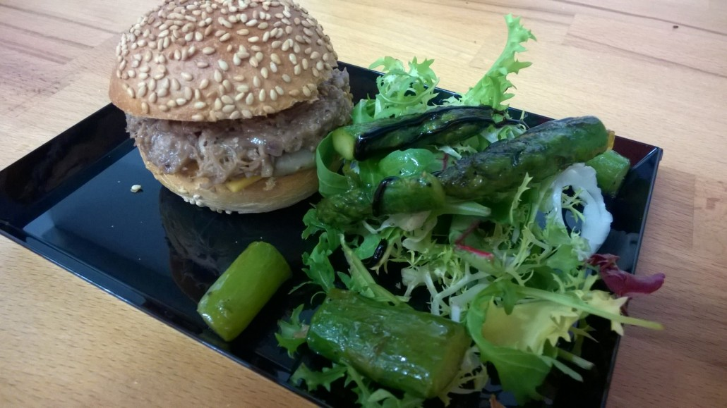Labo des Tokés - Burger canard et asperges glacées